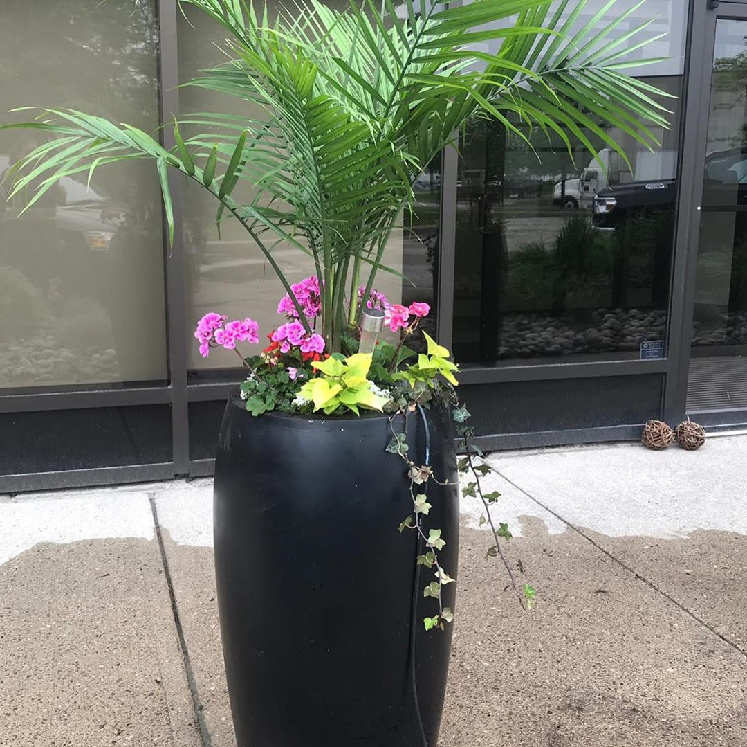 Potted landscape design - Silverbel Landscaping & Snowplowing