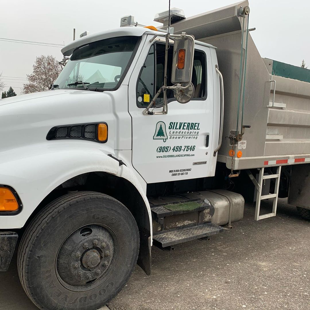 Professional landscaping truck - Silverbel Landscaping & Snowplowing
